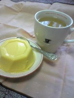 水無月の中華菓子とお茶